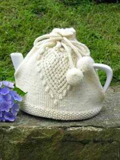 Love Tea Cosy: #knit #knitting #free #pattern #freepattern #freeknittingpattern #knittingpattern