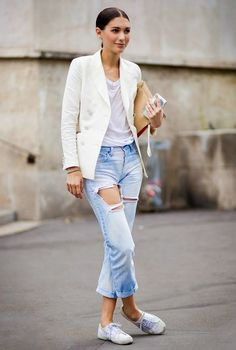 love the light denim with white