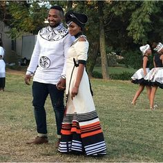 Effortless Xhosa Bride And Groom African Traditional Wedding Dress, Traditional African Clothing, Traditional Fashion, Traditional Outfits, Traditional Weddings, African Wedding Attire, African Attire, African Wear, African Women