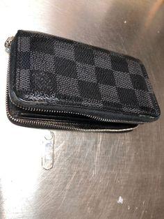 e4fb3e66803 louis vuittons wallet damier zippy Black Replaced Broken Zipper.  fashion   clothing  shoes