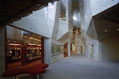 Kadare Cultural Centre / Chiaki Arai Urban and Architecture Design