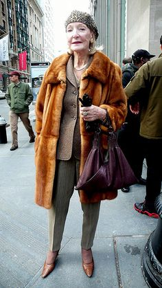 Great style ->fashionable grandma