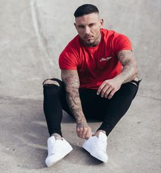 White Polo Shirt Outfit, Polo Shirt Outfits, Men Street Look, Street Wear, Summer Outfits, Casual Outfits, Men Casual, Black White Red, Men Looks