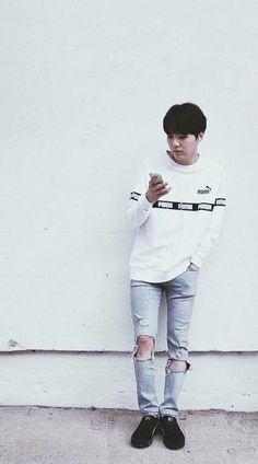 the person i got this, said this was taehyung.this is Genius MIN YOONGI aka suga aka AgustD<Yoongi Oppa is life Namjoon, Taehyung, Min Yoongi Bts, Min Suga, Suga Suga, Daegu, K Pop, Pop Bands, Btob