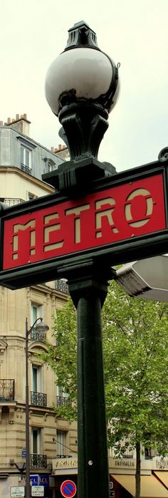 Red Line Metro - Paris | France