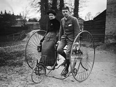 A young couple out cycling in Putney, on a tandem penny farthing tricycle, circa Get premium, high resolution news photos at Getty Images Vintage Versace, Vintage Dior, Vintage Vogue, Tandem, Old Bicycle, Penny Farthing, Photo Vintage, Foto Art, Vintage Bicycles
