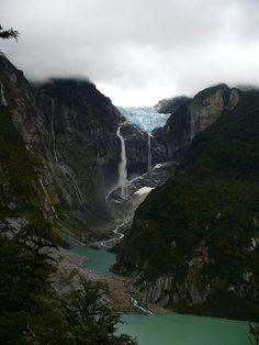 """El Ventisquero Colgante - O Glaciar Pendurado...  Chile  Coordenadas: 44°26'16.45""""S 72°30'16.04""""W"""