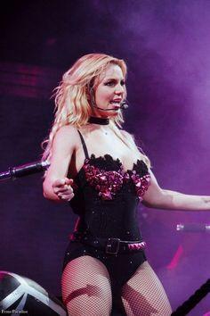 Britney Spears   Femme Fatale Tour