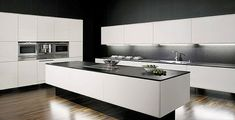 42 veces he visto estas radiantes cocinas blancas. Kitchen Sale, Home Decor Kitchen, Kitchen Furniture, Kitchen Interior, New Kitchen, Cool Kitchens, Kitchen Dining, German Kitchen, Loft Kitchen