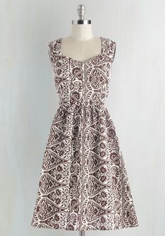 Gone Stamping Dress in Paisley. Step away from your day-to-day for a crafting extravaganza in this cotton dress by Mata Traders! #brown #modcloth