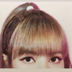 Grunge Photography, Photography Poses, K Pop, South Korean Girls, Korean Girl Groups, Locks, Blackpink Members, Blackpink Fashion, Blackpink Lisa