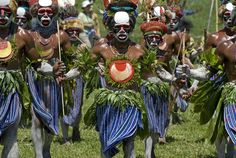 trajes tribais africanos - Pesquisa Google