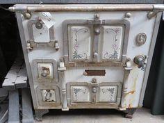 cuisini re ancienne cuisini res anciennes pinterest cuisini re ancien et po le. Black Bedroom Furniture Sets. Home Design Ideas