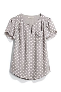 Another great polka dot blouse, don't mind that gray at all but what about a color that really POps?I like the gray with polka dots, short sleeves, flowy fit, nice for workI love this top Stitch Fix!This top would be cute with colored skinnies or c Casual Outfits, Cute Outfits, Stitch Fit, Stitch Fix Outfits, Polka Dot Blouse, Polka Dots, Stitch Fix Stylist, Cute Tops, Blouse Designs