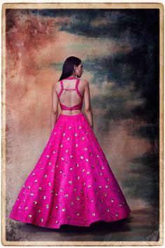 This set features a fuchsia diamond sequin jaal with polka dots skirt set. Neck: Halter Neck Sleeve Type: Sleeveless Fabric: Raw Silk Care: Dry Clean Only Skirt Blouse Design, Lengha Blouse Designs, Blouse Patterns, Lehenga Skirt, Pink Lehenga, Lehenga Blouse, Lengha Choli, Sarees, Wedding Dresses For Girls