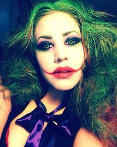 Want to go as the joker for halloween! Halloween Costunes, Creepy Halloween Makeup, Creepy Makeup, Joker Makeup, Zombie Makeup, Harley Quinn, Female Joker, Fantasy Make Up, Maquillaje Halloween