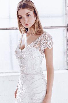 92946b41d0a30458f5d11cb9736e489d--sleeve-wedding-dresses-designer-wedding-dresses.jpg (736×1104)