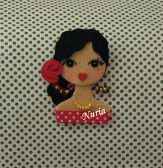 ♥ Fietro ♥but can use it for a cookie mold Yarn Dolls, Felt Dolls, Sewing Crafts, Sewing Projects, Felt Keychain, Felt Crafts Patterns, Barrettes, Clothespin Dolls, Felt Decorations