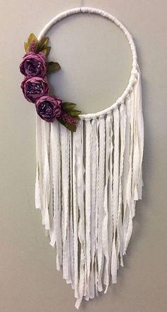 Easy Crafts to Make and Sell – Crafts and DIY Ideas Crafts To Make, Arts And Crafts, Diy Crafts, Dreamcatchers, Hula Hoop, Bunting, Boho Wedding, Trendy Wedding, Wedding Black