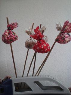 Knapzak traktaie met snoepjes en speelgoed