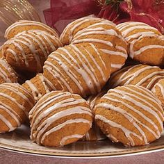 Old-Fashioned Soft Pumpkin Cookies// Best pumpin cookies ever. People who do not like pumpkin LOVE these cookies!!!