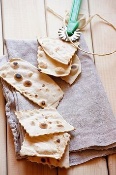 Placki z blachy #thermomix Finger Foods, Tapas, Food And Drink, Bread, Baking, Ethnic Recipes, Cookies, Fitness, Gastronomia