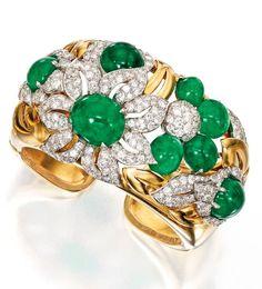 Lot 62 - 18 Karat Gold, Emerald and Diamond Cuff Bracelet, Trabert & Hoeffer Mauboussin, Circa 1940 Emerald Bracelet, Emerald Jewelry, Gems Jewelry, Diamond Jewelry, Jewelry Accessories, Fine Jewelry, Sapphire Earrings, Bling Bling, Antique Jewelry