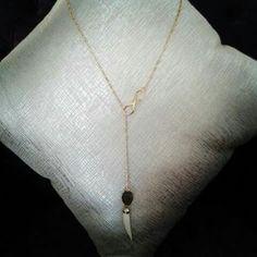 Colmillo. Infinito. Protección. Amuletos. Moda. Collar largo. Fashion. Long necklace. Gold. Oro. Diseño mexicano.