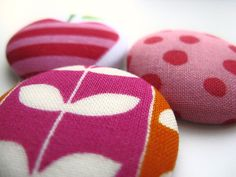 Buttons  fabric big buttons  modern and pink yummy by MadAboutPink, €4.00