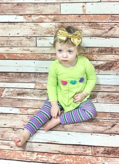 Gold Headband- Gold Bow; Gold Hair Bow; Gold Nylon Headbands; Newborn Headband; Baby Headband; Infant Headband; Todler Headband; Girls Bows by SuVernBowtique on Etsy