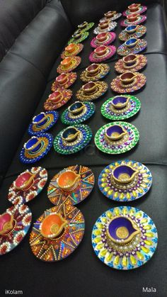 Aghal Villakhu Stone Art is part of Diwali diy - Rangoli Freehand Rangoli Aghal Villakhu Stone Art by Mala kolam Diwali Decoration Items, Thali Decoration Ideas, Diwali Decorations At Home, Festival Decorations, Old Cd Crafts, Diy Home Crafts, Diy Arts And Crafts, Creative Crafts, Recycled Cd Crafts