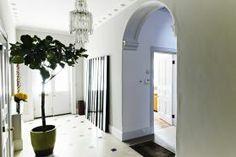 hall #halllocation #hallway #arch http://shootfactory.co.uk/london-houses/1188/tv-video-photo-film-location.html