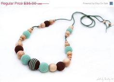 SALE 20% off Nursing necklace Pistachio green and by MagazinIL