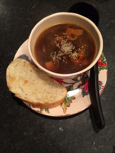 Vegan French Onion Soup (with beer! Vegan French Onion Soup, Vegan Soups, Soups And Stews, Soup Recipes, Veggies, Appetizers, Favorite Recipes, Eat, Ethnic Recipes