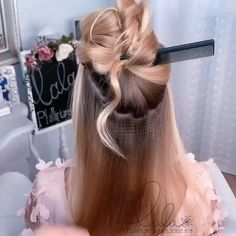 Pearl heaven: Gorgeous lose fish braid adorned with pearl clips. – Tutorial Per Capelli Dance Hairstyles, Easy Hairstyles For Long Hair, Braided Hairstyles, Wedding Hairstyles, Hairstyle Ideas, Bob Hairstyle, Medium Hair Styles, Long Hair Styles, Hair Upstyles
