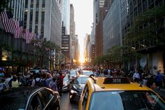 Views from Manhattanhenge, New York City's coolest sunset of the year 'A unique urban phenomenon in the world, if not the universe.'Around 300 people are crowded at the edge of 42nd street and 2nd avenue in Manhattan with cameras, selfie sticks, smartphones, tripods, and GoPros in hand.
