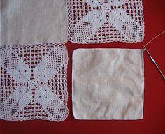 Mantel Lino y Grannys Crochet Table Runner Pattern, Granny Square Crochet Pattern, Crochet Tablecloth, Crochet Diagram, Crochet Squares, Crochet Granny, Crochet Mat, Filet Crochet, Hand Crochet
