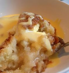 *Eve's Pudding* _ This pudding is proof positive that you can create something totally delicious with a few simple ingredients. This is an old English favourite from way back. A delicious apple pudding Apple Recipes, Sweet Recipes, Baking Recipes, Uk Recipes, Eves Pudding, English Pudding, English Custard Recipe, British Pudding, Just Desserts