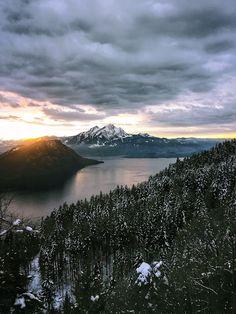 Up in the Swiss Alps [OC][2189x2909] martiong http://ift.tt/2B7PDlz November 20 2017 at 05:56PMon reddit.com/r/ EarthPorn
