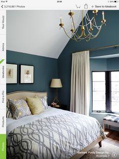 Azul petróleo en las paredes ideal para profundizar los ambientes