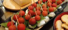 Dica de tira-gosto light – Espetinhos de mussarela de búfala, tomate cereja e manjericão