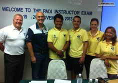 PADI Instrutor Examiner Marc van der Poel takes a picture with Platinum CD Richard, IDCS Instructor Liz and the IDC candidates Along, Thibaut and Jen before the November 2013 IE orientation begins :)