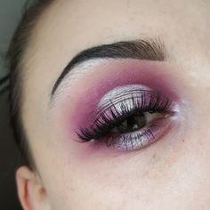 Purple and white cut crease halo/spotlight eye makeup look Insta - @jordan_nicolax Twitter - @JordanNicola_ YouTube - Jordan Nicola