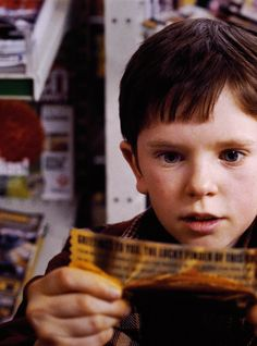 Freddie Highmore, Charlie Bucket - Charlie and the Chocolate Factory (2005) #roalddahl #timburton
