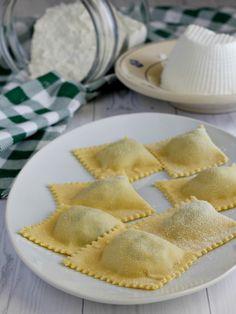Discover recipes, home ideas, style inspiration and other ideas to try. Paleo Ravioli, Ravioli Lasagna Bake, Gluten Free Ravioli, Crockpot Ravioli, Ravioli Soup, Ravioli Casserole, Ravioli Filling, Toasted Ravioli, Vegetarian