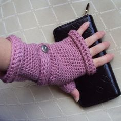 Ladies Wristed Mittens or Fingerless Gloves