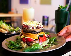 Meet & Bun set up shop in Trinity Arcade in Perth and now they are opening in Fremantle. Raw Energy, Perth, Hamburger, Restaurant, Healthy, Ethnic Recipes, Coast, Popular, Coffee