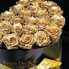 Venus Roses, Flower Boxes, Close Up, Infinity, Glamour, Natural, Florals, Instagram, Gold