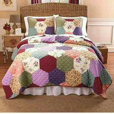 Giant hexies hmmmm emma patchwork quilt ensemble ltd commodities Hexagon Patchwork, Hexagon Quilt, Quilt Block Patterns, Quilt Blocks, Patchwork Quilting, English Paper Piecing, Queen Quilt, Quilt Sets, Bed Covers