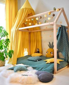 Tropical flair with our house bed-Tropisches Flair mit unserem Hausbett Hier nach sich ziehen wir senfgelb mi Tropical flair with our house bed Here we draw mustard yellow mi have -